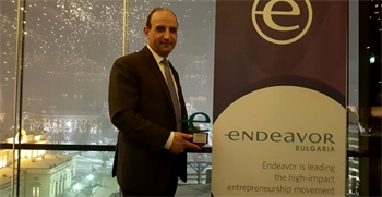 Kalin Radev with award by Endeavor Bulgaria